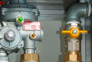 reparación de fugas en reguladores de gas natural